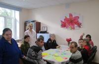 Мастер-класс «Разноцветные ладошки» в интернате Рыбинска